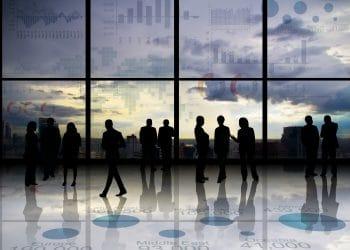 Institutional vs. Retail Investors