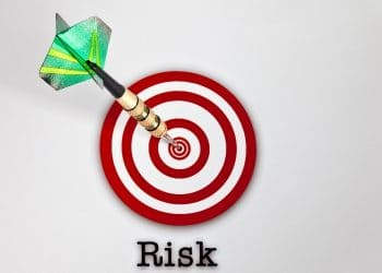 Dealing with Target Date Funds: Risks and Advantages