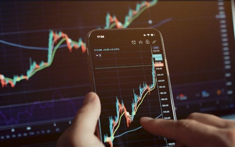 U.S. Equities Climb As Markets Await Corporate Earnings