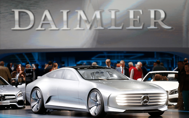 German Premium Carmaker Daimler Expects Chip Shortage to Persist on into 2022