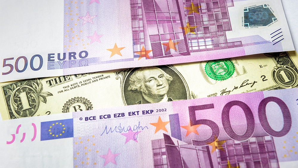 EURUSD Pushes Higher As Dollar Dips As Rate Hike Fears Subside