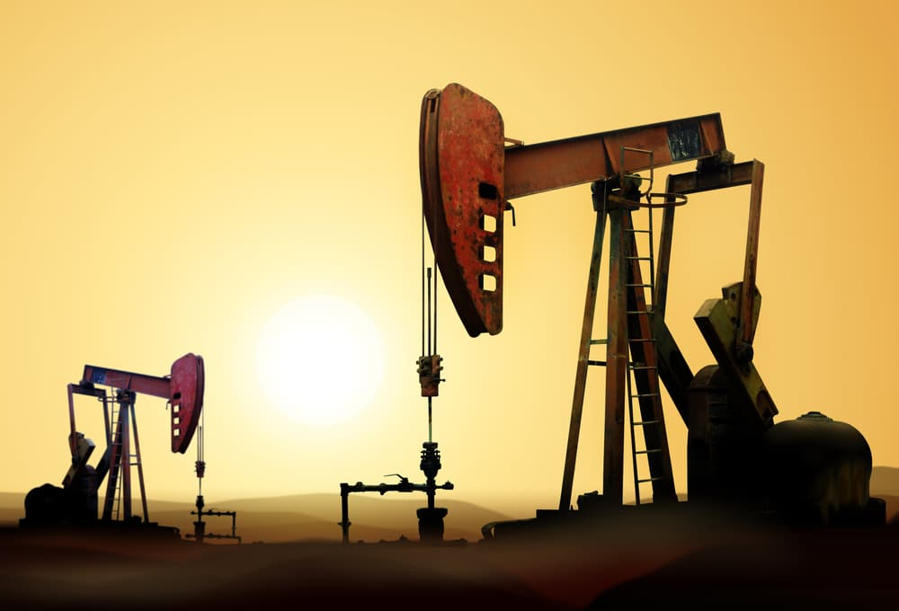Crude Oil Analysis: Futures Fall Over 1% on Demand Concerns and Low Industrial Output