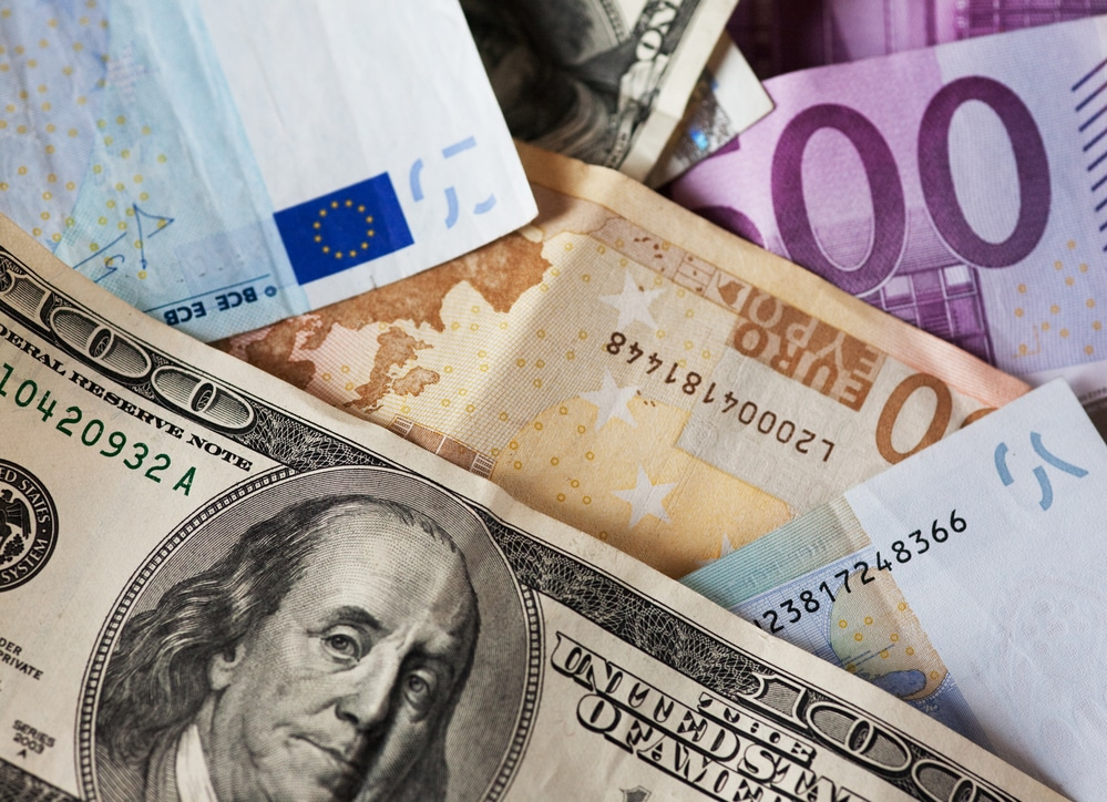 EURUSD Analysis: Slide Continues As Strong US Economy Keeps USD Anchored