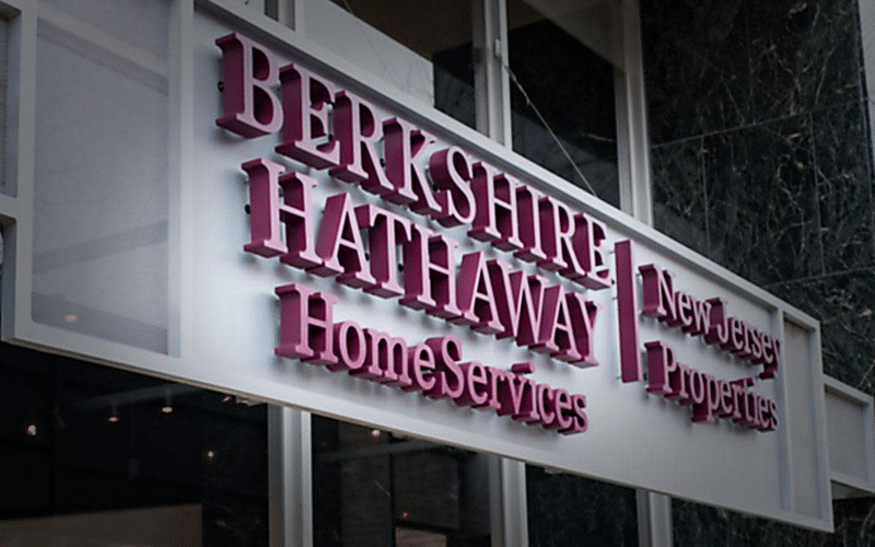 Berkshire Gains from BYD Investment Up $2 Billion This Year Alone