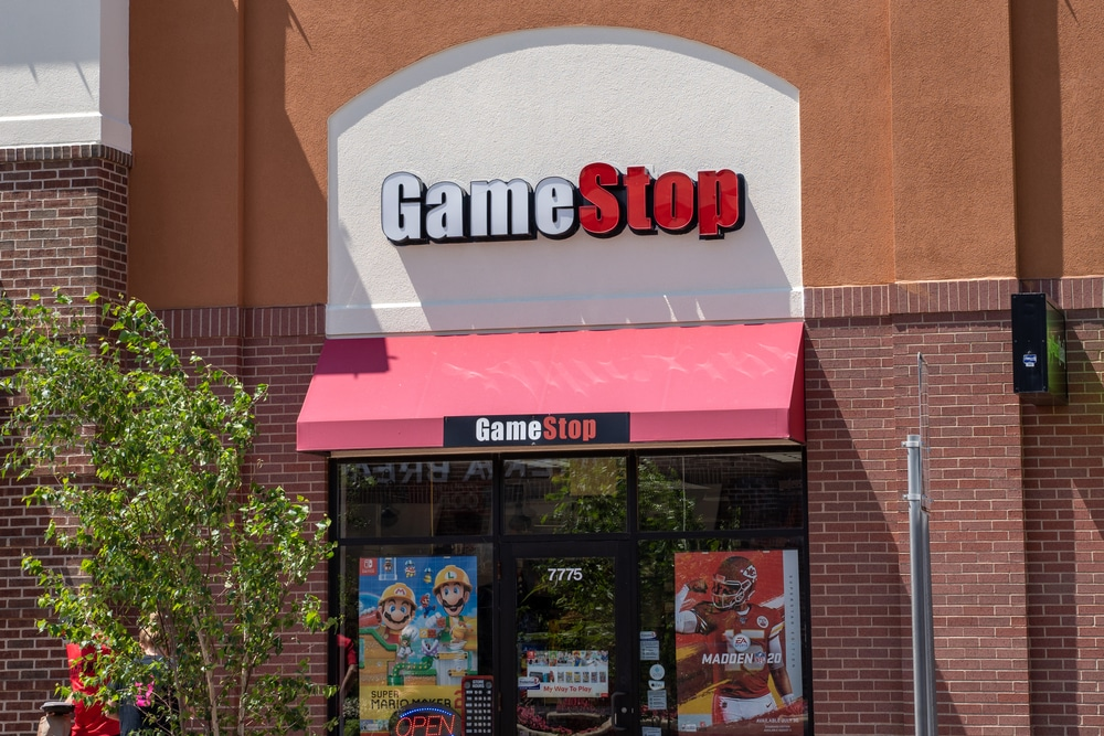 GameStop Corp. Sinks 7% Even as Losses Narrow in Second Quarter